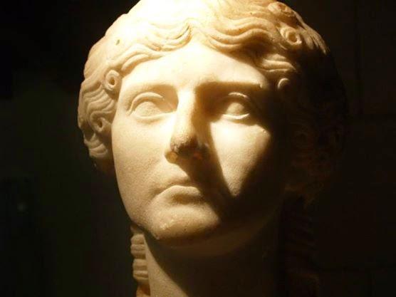 ¿Quieres conocer mejor a la mujer romana?